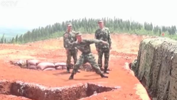 Čínský voják na cvičeních upustil granát - Sputnik Česká republika