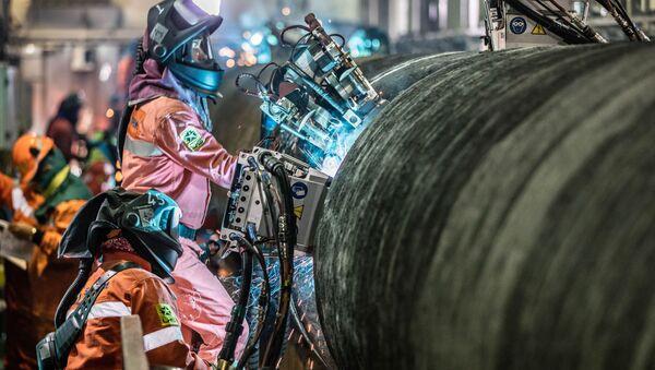 Svaření potrubí pro Severní proud 2 - Sputnik Česká republika