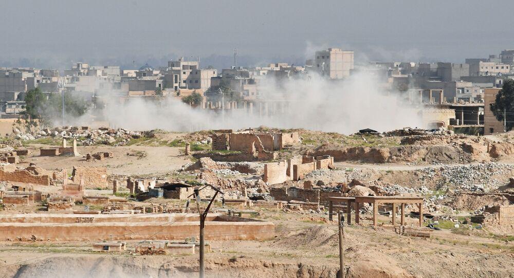 Kouř nad Dajr az-Zaurem. Ilustrační foto