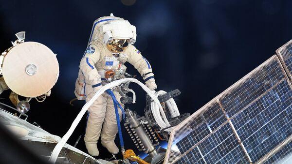 Výstup ruského kosmonauta do otevřeného vesmíru. Ilustrační foto - Sputnik Česká republika