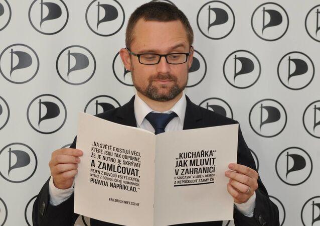 Europoslanec za Českou pirátskou stranu Mikuláš Peksa