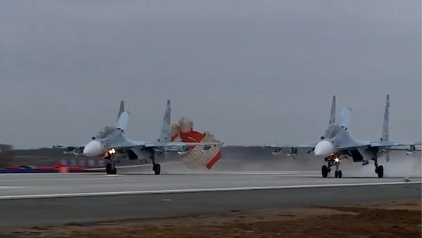 Letiště Belbek na Krymu přijalo první stíhačky po rekonstrukci - Sputnik Česká republika