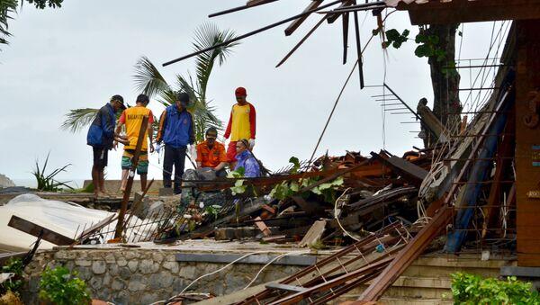 Následky tsunami v Indonésii - Sputnik Česká republika