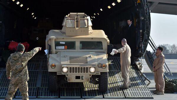 Americké obrněné vozy v Kyjevě - Sputnik Česká republika