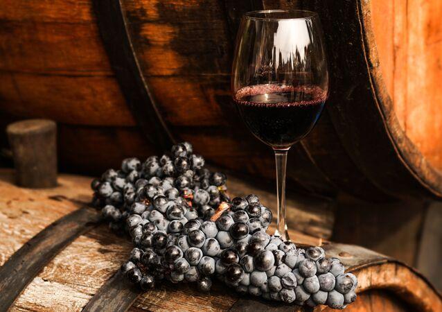 Víno a hrozno. Ilustrační foto