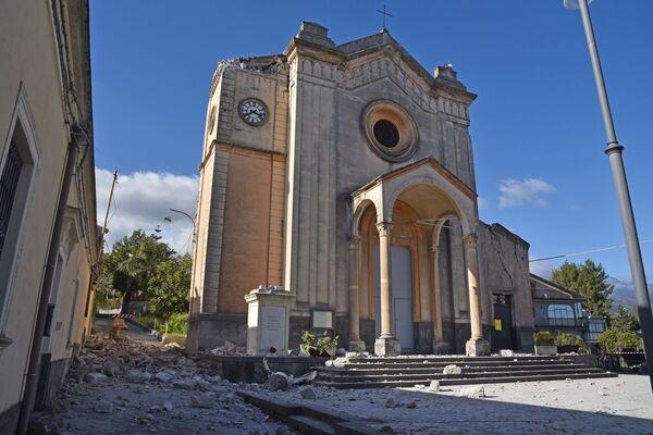 Strašlivá síla přírody: Sicílie je po hrozném zemětřesení a výbuchu sopky Etna - Sputnik Česká republika