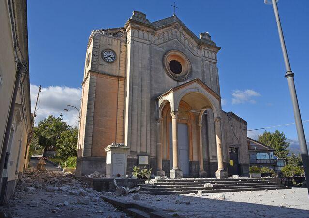 Strašlivá síla přírody: Sicílie je po hrozném zemětřesení a výbuchu sopky Etna