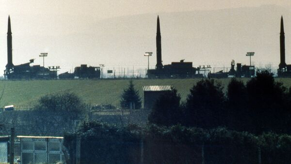 Батарея американских баллистических ракет средней дальности Першинг 2 на базе США в Германии, 1987 год - Sputnik Česká republika