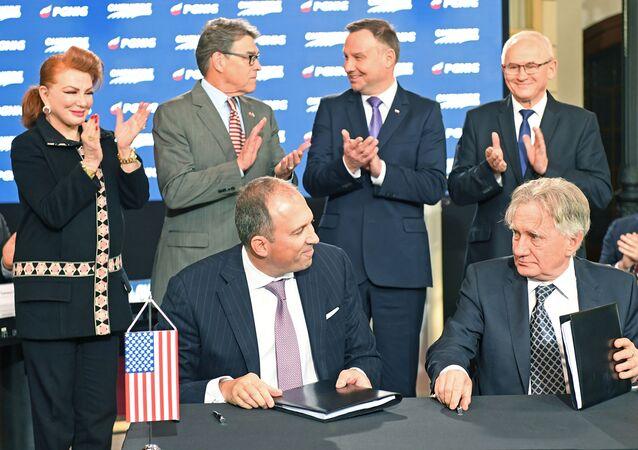 Podepsání dohody o dodávkách amerického LNG v Polsku