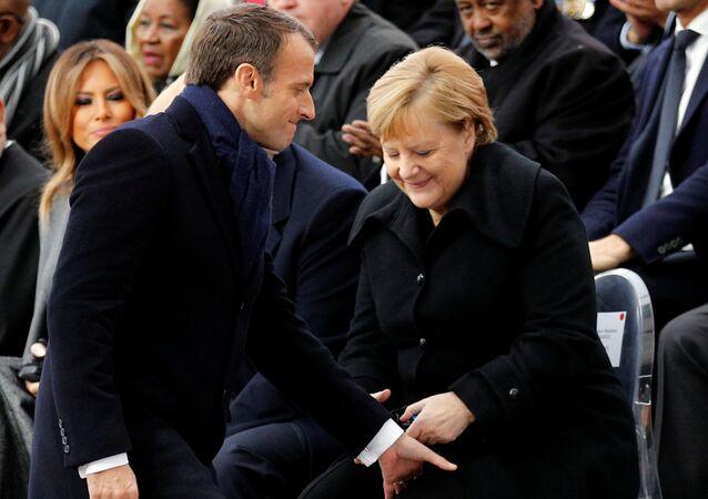 Francouzský prezident Emmanuel Macron a německé kancléřka Angela Merkelová