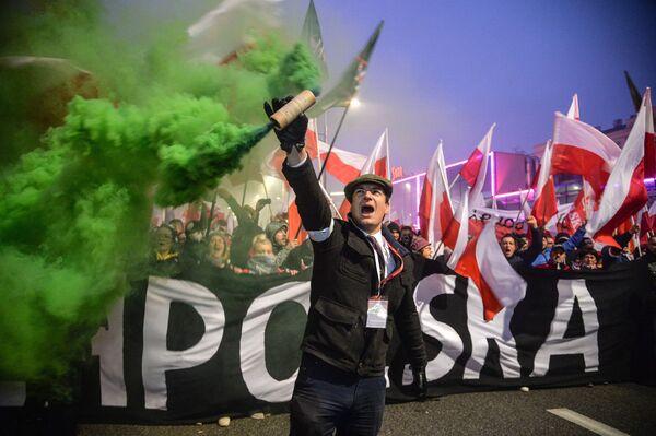 Pochod ve Varšavě na počest 100. výročí nezávislosti Polska - Sputnik Česká republika
