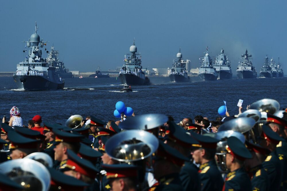 Lodě ruského námořnictva na hlavní námořní přehlídce v Kronštadtu