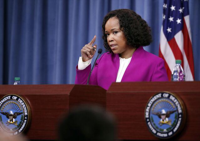 Tisková mluvčí Pentagonu Dana Whiteová