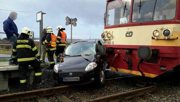 Osobní vlak se srazil s osobním automobilem - Sputnik Česká republika