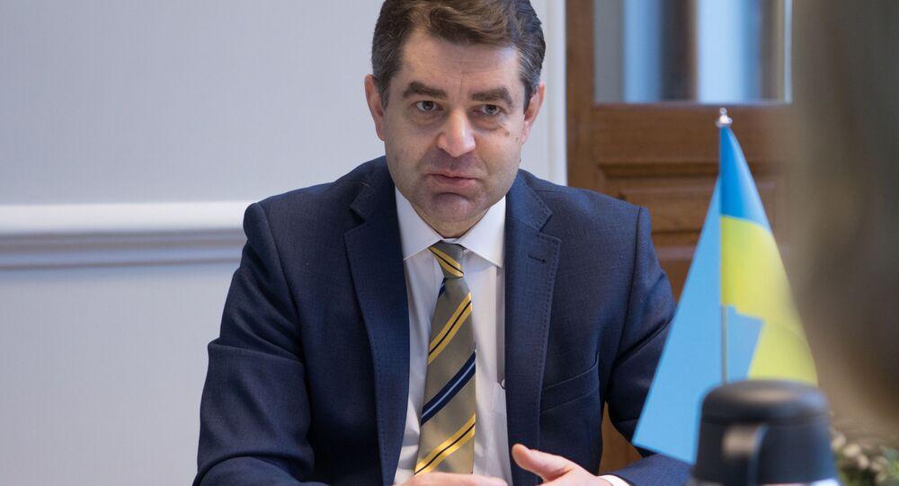 Ukrajinský velvyslanec v České republice Jevhen Perebyjnis