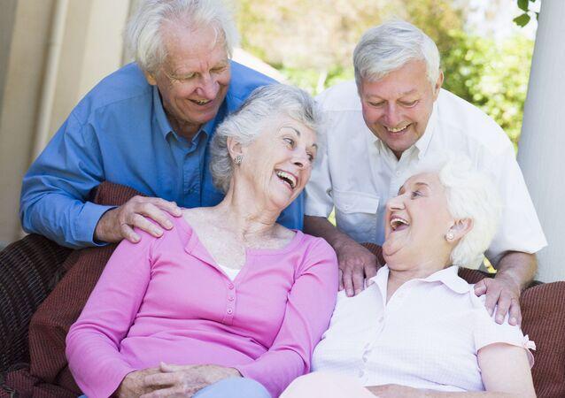 Skupina starších lidí