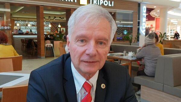 PhDr. Miroslav Sládek - Sputnik Česká republika