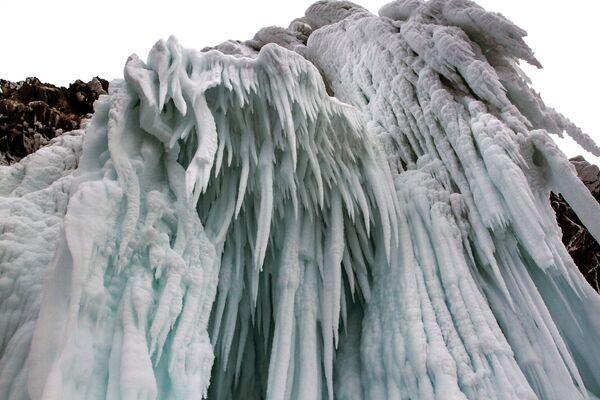 Ruský přírodní klenot láká turisty i v zimě: Objevte tisíc barevných odstínů Bajkalu - Sputnik Česká republika