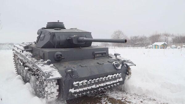 Bratři-řemeslníci vytvořili podobu německého Panzeru III - Sputnik Česká republika