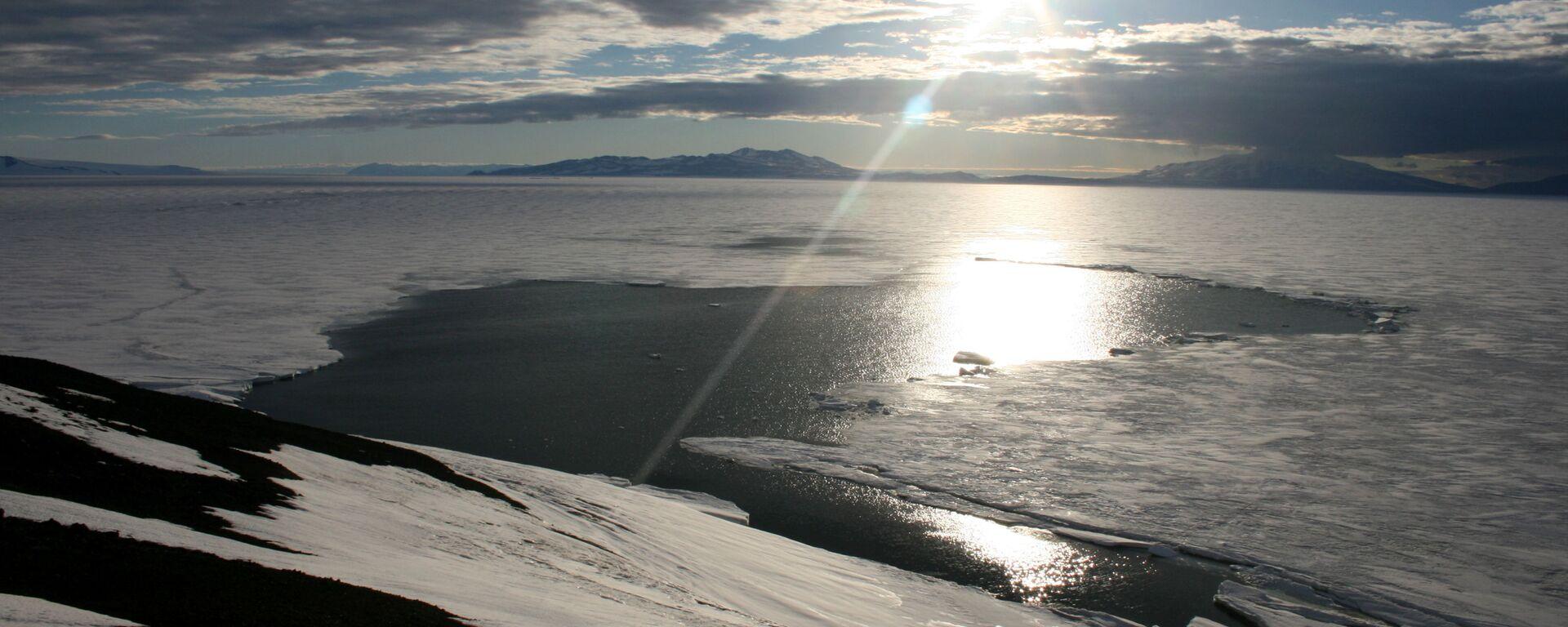 Tání ledu na Antarktidě - Sputnik Česká republika, 1920, 10.08.2021