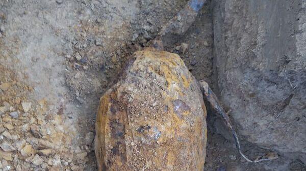 Бомба времен Второй Мировой войны, найденная при раскопках в чешском городе Бoгуславице - Sputnik Česká republika