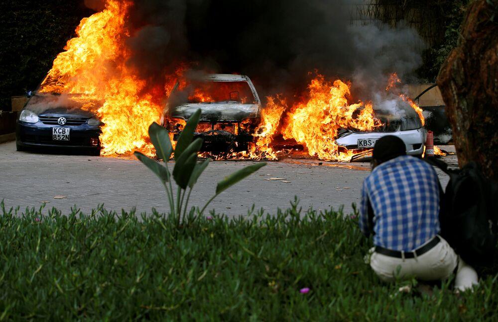 Nejpestřejší fotografie týdne: Výbuchy, protesty a lákavé módní přehlídky