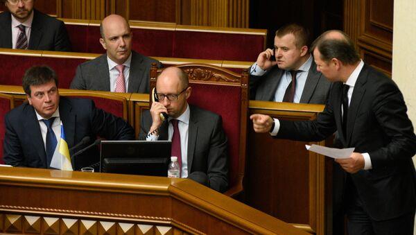 Ukrajinský premiér Arsenij Jaceňuk na zasedání Nejvyšší rady - Sputnik Česká republika