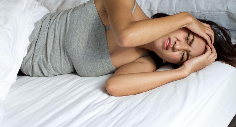 Dívka během nespavosti