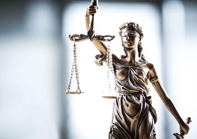 Themis je bohyní zákonného pořádku mezi lidmi