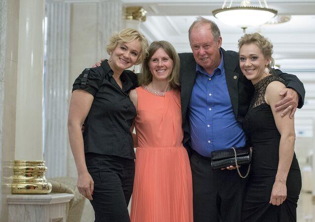 Wolfgang Pichler s Olgou Zajcevovou a Janou Romanovou
