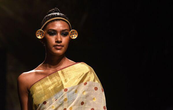 Smyslný Východ: Týden módy v Indii - Sputnik Česká republika
