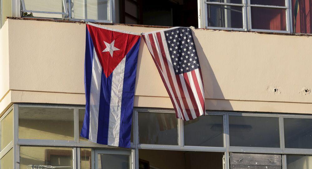 Vlajky Kuby a USA