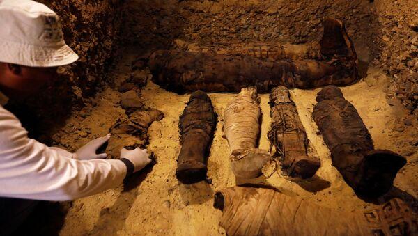 Pohřebiště v provincii Mínjá jižně od Káhiry - Sputnik Česká republika