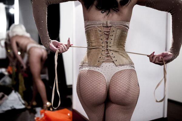 Tento týden v obrázcích: Burlesque show a Žluté vesty - Sputnik Česká republika