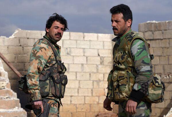 Jaké to je být v přední linii: Pozice syrské armády v provincii Aleppo - Sputnik Česká republika
