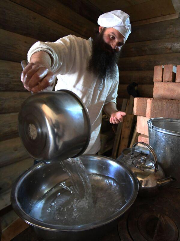 Jak se peče chléb v ruské tajze - Sputnik Česká republika