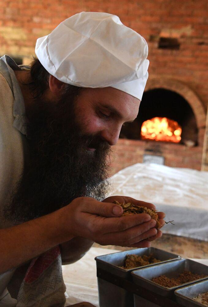 Jak se peče chléb v ruské tajze