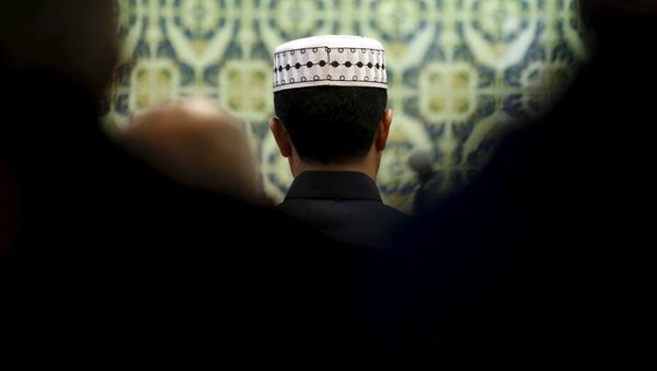 Muslimové v mešitě v Marseilli - Sputnik Česká republika