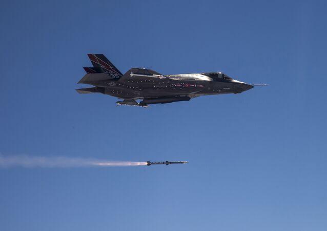 AMRAAM F-35