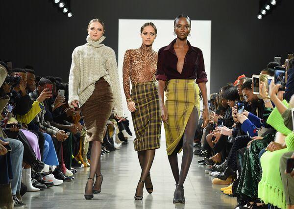 Klasika je nesmrtelná. Laquan Smith v New Yorku Fashion Week - Sputnik Česká republika