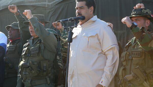 Prezident Nichlás Maduro na vojenském cvičení (dne 10. února 2019) - Sputnik Česká republika