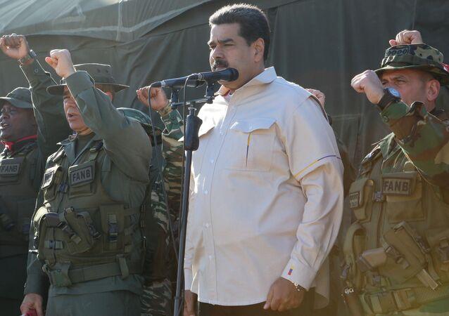 Prezident Nichlás Maduro na vojenském cvičení (dne 10. února 2019)