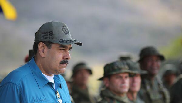 Vojáci provádějí pohraniční hlídky uprostřed rostoucího tlaku na venezuelskou vládu - Sputnik Česká republika