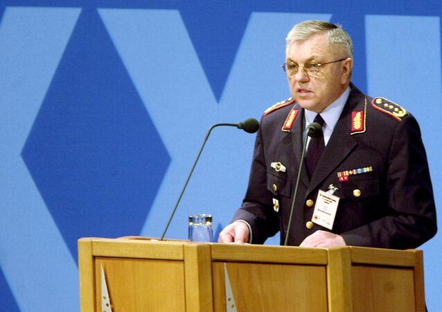 Bývalý šéf vojenského výboru NATO, generál vojenského letectva SRN ve výslužbě Harald Kujat
