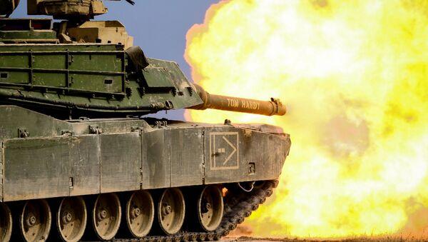 Американский танк M1 Abrams во время военных учений  - Sputnik Česká republika