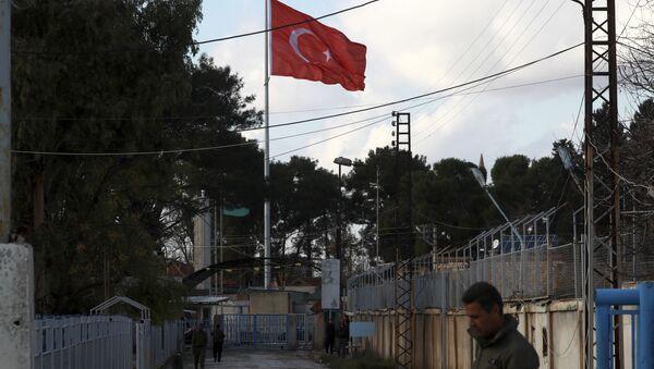 Turecká vlajka na turecko-syrské hranice - Sputnik Česká republika