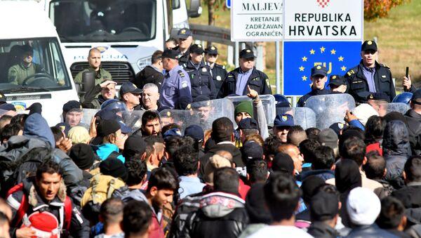 Migranti na hranici Chorvatska a Bosny - Sputnik Česká republika