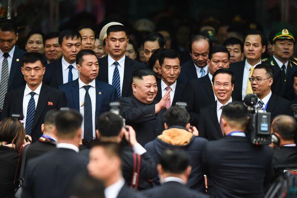 Vůdce KLDR Kim Čong-un na vlakovém nádraží po příjezdu do Vietnamu - Sputnik Česká republika