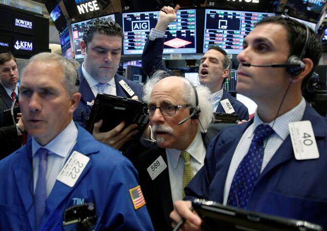 Obchodníci na burze v New Yorku.