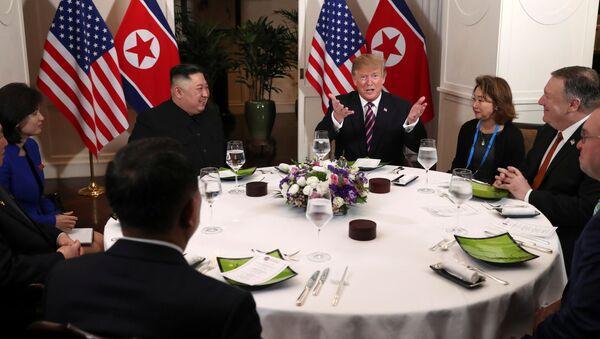 Donald Trump a Kim Čong-un. Hanoj, Vietnam - Sputnik Česká republika
